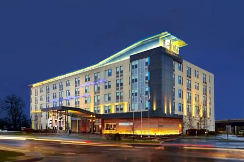 Hotels Near Yul