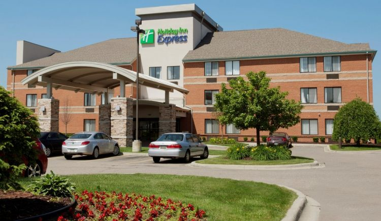 Hotels Near Romulus Mi